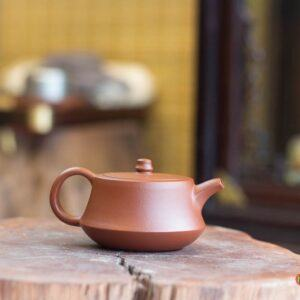 Ấm chén tử sa hằng trà